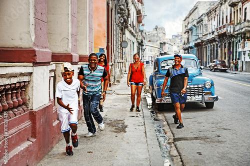 fototapeta na ścianę Cuba, La Habana Centro, Street Scene