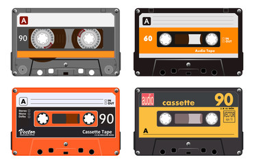 Kolekcija od četiri plastične vrpce za audio kasete. Različite šarene glazbene vrpce. Narančasti set. stara tehnologija, realistični retro dizajn, ilustracija vektorske slike, izolirana na bijeloj pozadini eps10