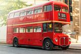Fototapeta Londyn - Red Double Decker Bus