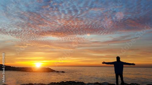 фотография  Man watching sunrise