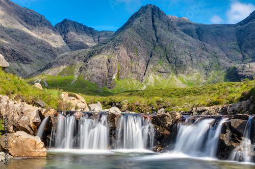Fotografia Small waterfall on the Isle of Skye in Scotland