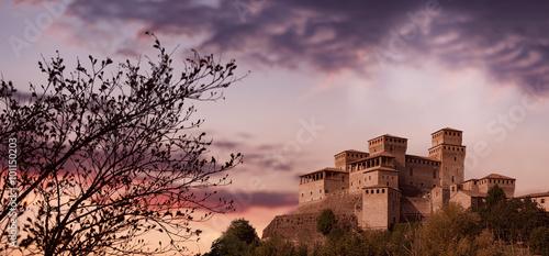 Castello di Torrechiara al tramonto, Langhirano