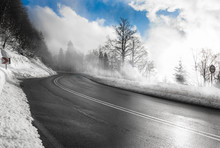 Winterliche Landstraße Am Fel...