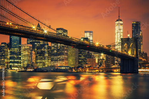 Nowy Jork Manhattan środek miasta przy zmierzchem