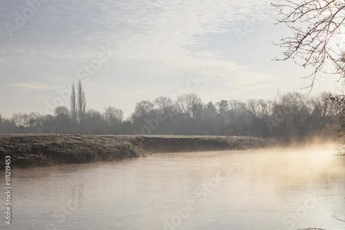 Photo Stands Lavender Mist on the River Avon, Warwickshire, England