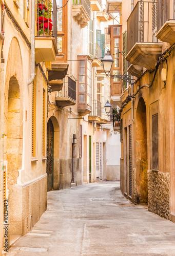 Fototapeta Widok na ulicę starego miasta z głębią