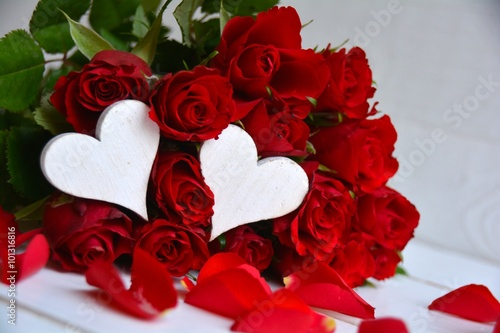 Grusskarte Rote Rosen Blumenstrauss Buy This Stock Photo And