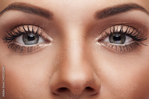 Fotografering  Close up eyes with perfect make up