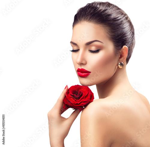 Obraz na plátně  Krása ženy s rudou růží květ