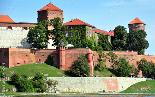 Photo Krakau - Blick von der Weichsel auf die Wawel-Burg