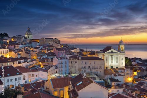 lizbona-wizerunek-lizbony-portugalia-podczas-wschodu-slonca