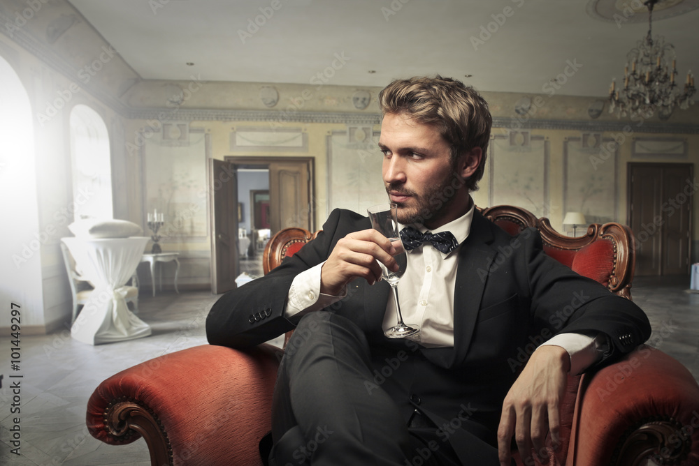 Acheter Le Photographie Wine Man Drinking Handsome Sur v0w8OPmNny