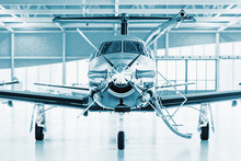 Single Turboprop Aircraft In H...