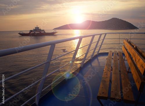 Fotografía  ferry boat to thassos island, greece