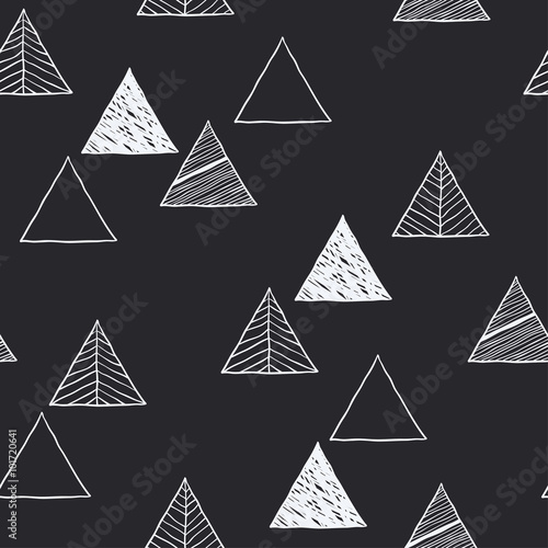 Photo  Seamless hand-drawn triangles pattern.