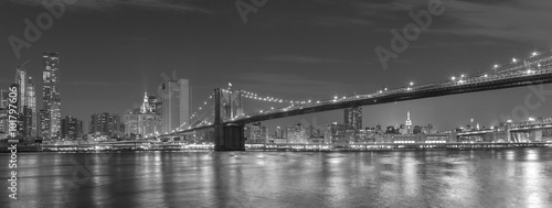 brooklyn-bridge-i-manhattan-w-nocy-nowy