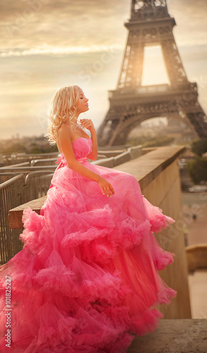 Photo  girl in pink dress in Paris