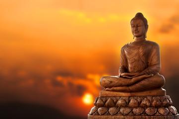 Buda i zalazak sunca