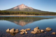 Mount Mcloughlin And Sky Lake ...