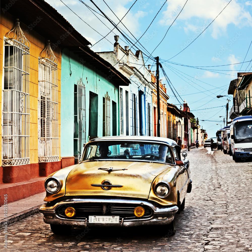 Fotografering  Cuba, Trinidad, Vintage Car