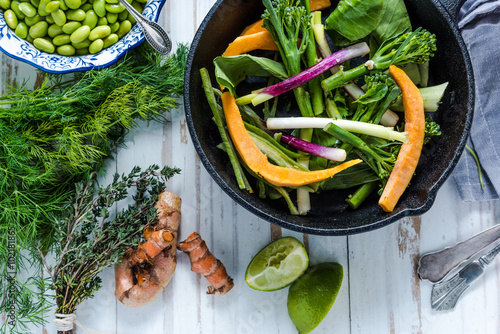 Photo  Stir fry vegetables from above