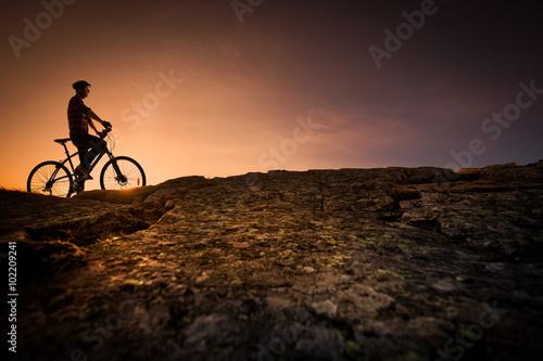 Foto op Plexiglas Alpinisme Concept vélo tout terrain loisirs