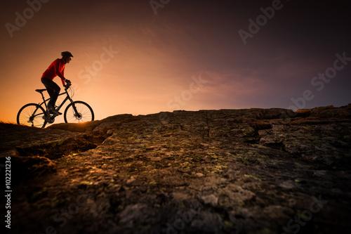 Foto op Plexiglas Alpinisme Vélo tout terrain et challenge