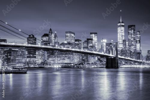 Fototapeta View of Manhattan and Brooklin Bridge by night, New York City