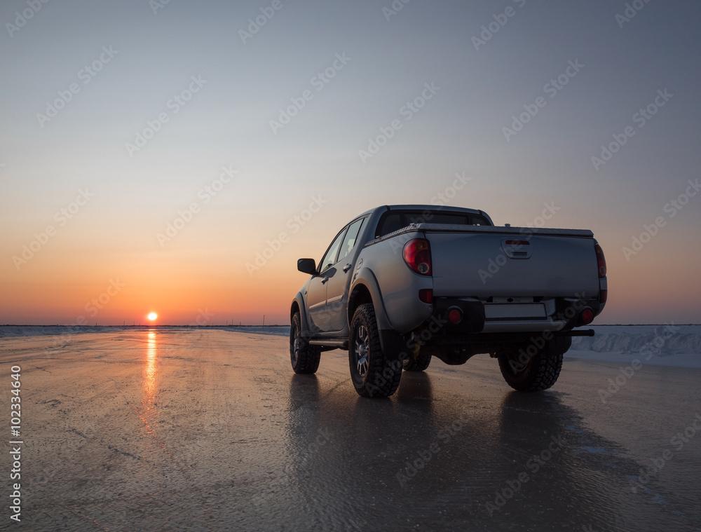 Fototapety, obrazy: Car on the ice