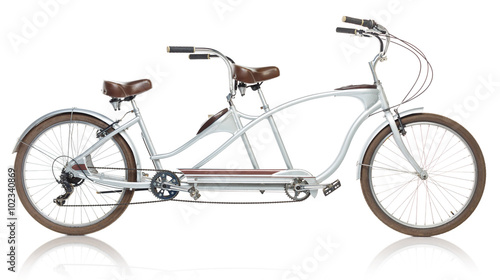 Foto auf AluDibond Fahrrad Retro styled tandem bicycle isolated on a white