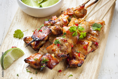 Pinturas sobre lienzo  Satay Chicken Skewers with Lime and Chili