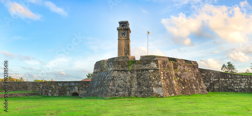 Cadres-photo bureau Fortification Anthonisz Memorial Clock Tower in Galle, Sri Lanka
