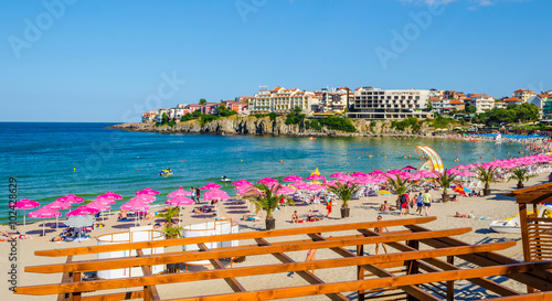 Fotografia  Central beach and view of the Old Town