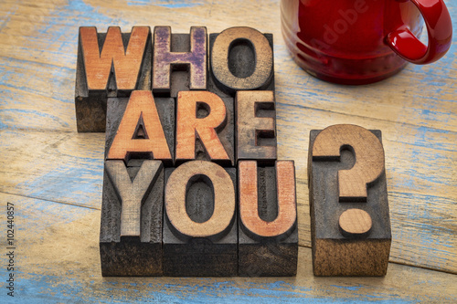 Fotografía Who are you question in wood type
