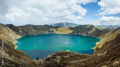 In de dag Zuid-Amerika land Quilatoa Lake in Ecuador
