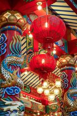 Panel Szklany Podświetlane Latarnie Chinesischer Tempel mit roten Lampions