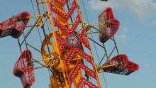 4K Zipper Carnival Ride Spinning 1