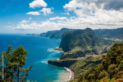 Fotografie, Obraz  Adlerfelsen an der Nordküste bei Faial; Madeira; Portugal