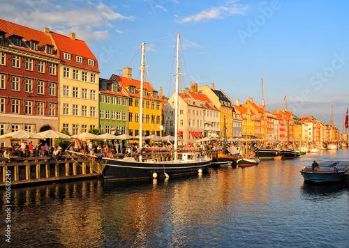 Photo  Copenhagen Nyhavn district at sunset