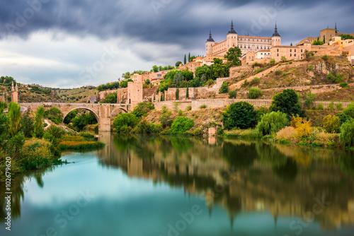 Foto auf Gartenposter Stadt am Wasser Toledo Spain Old Town