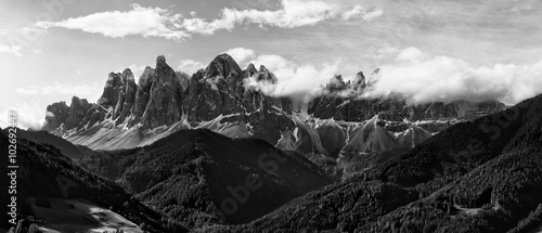 obraz dibond Black and white panorama of Geisler (Odle) Dolomites Group