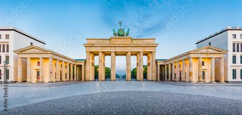 Fotobehang Berlijn Berlin Brandenburger Tor at sunrise, Germany