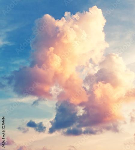 Fototapeta Pogodny zachód słońca na niebie na zamówienie