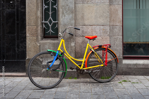 Cadres-photo bureau Velo Colorful bicycle in Amsterdam.