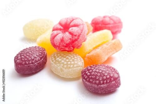 Foto op Aluminium Snoepjes bonbons traditionels sur fond blanc