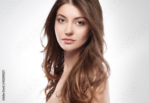 Fototapety, obrazy: Natural woman on white background