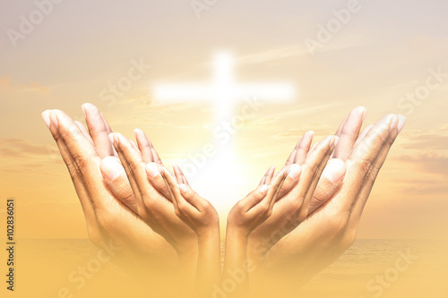 Fotomural Hands, bless the cross in the sky.