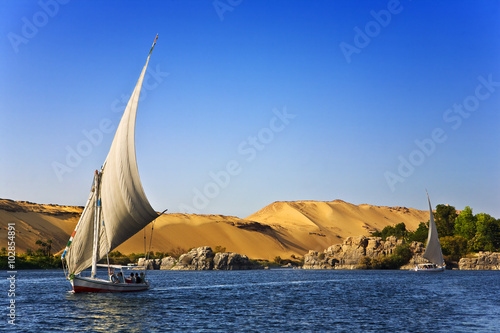 Spoed Foto op Canvas Egypte Egypt. The Nile at Aswan. Felucca cruise