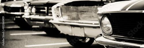 klasyczne-samochody-z-rzedu