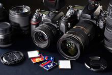 DSLR Cameras, Lens And Flash C...